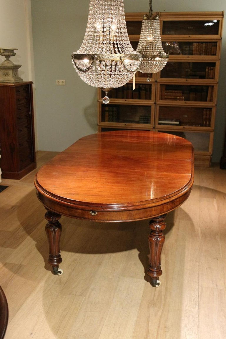19th Century Victorian Oval Dining Table at 1stdibs