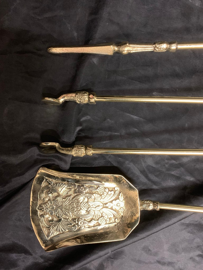 19th Century Victorian Polished Brass Fire Tools In Good Condition For Sale In Edinburgh, GB