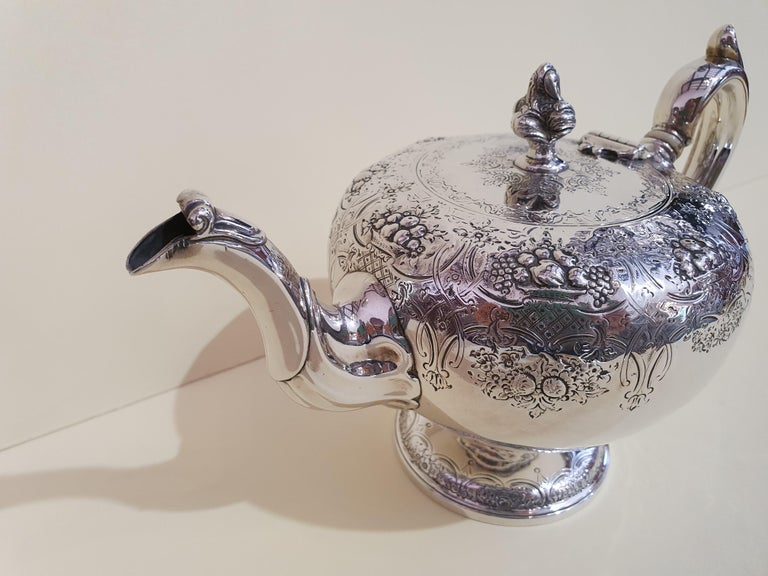 Engraved 19th Century Victorian Scottish Sterling Silver Teapot, Edinburgh, 1846 For Sale
