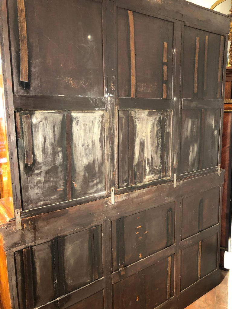 19th Century Victorian Walnut England Bookcase Vitrines,1860s For Sale 6