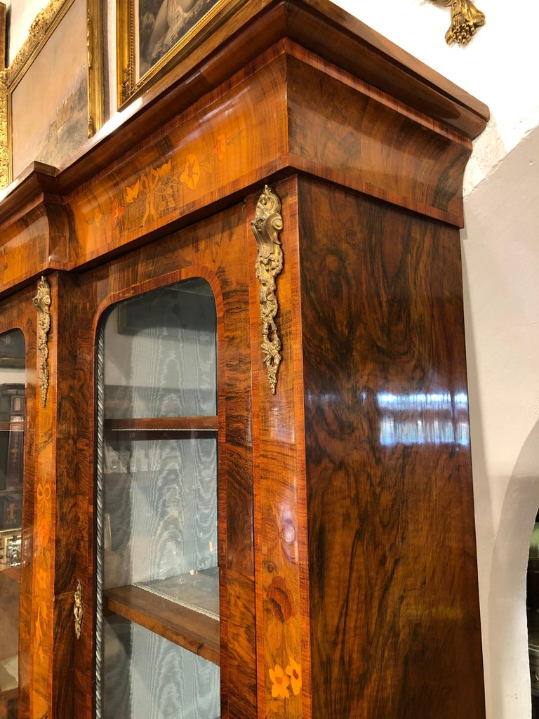 Inlay 19th Century Victorian Walnut England Bookcase Vitrines,1860s For Sale