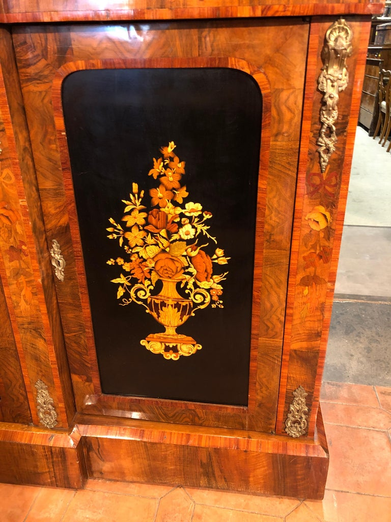 Mid-19th Century 19th Century Victorian Walnut England Bookcase Vitrines,1860s For Sale