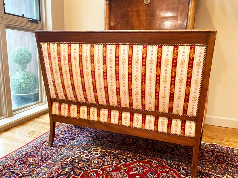 19th Century Vintage Empire Mahogany Salon, Set of 5 In Good Condition For Sale In Brooklyn, NY