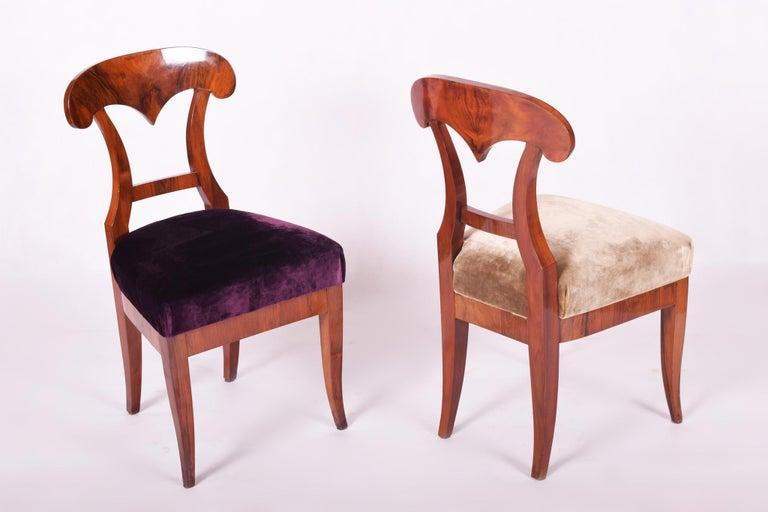 19th Century Walnut Austrian Biedermeier Chairs, 4 Pieces, 1830s, New Upholstery For Sale 2