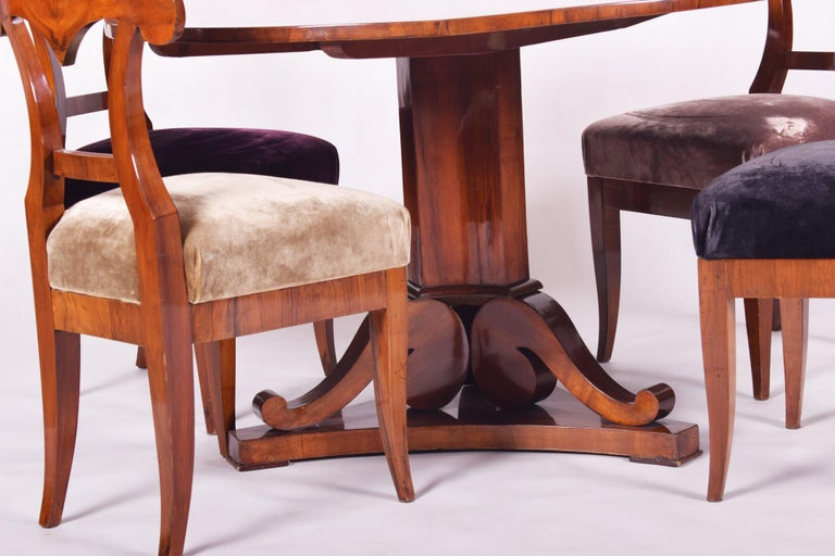 19th Century Walnut Austrian Biedermeier Chairs, 4 Pieces, 1830s, New Upholstery For Sale 4