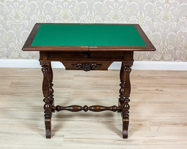 Veneer 19th Century Walnut Sewing Table or Card Table For Sale