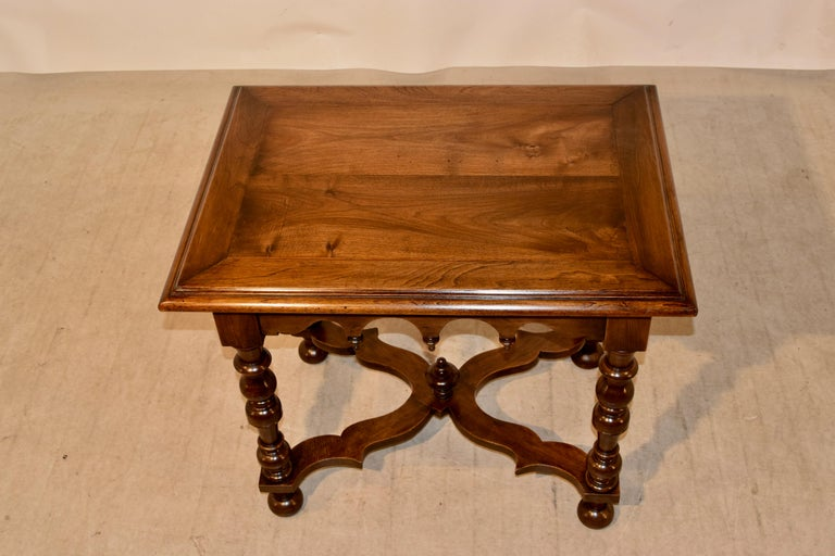 19th Century Walnut Side Table In Good Condition For Sale In High Point, NC