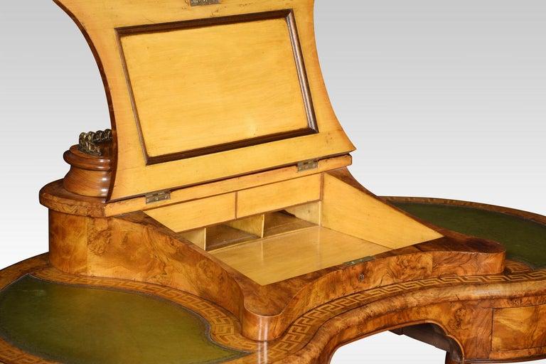 English 19th Century Walnut Writing Desk For Sale