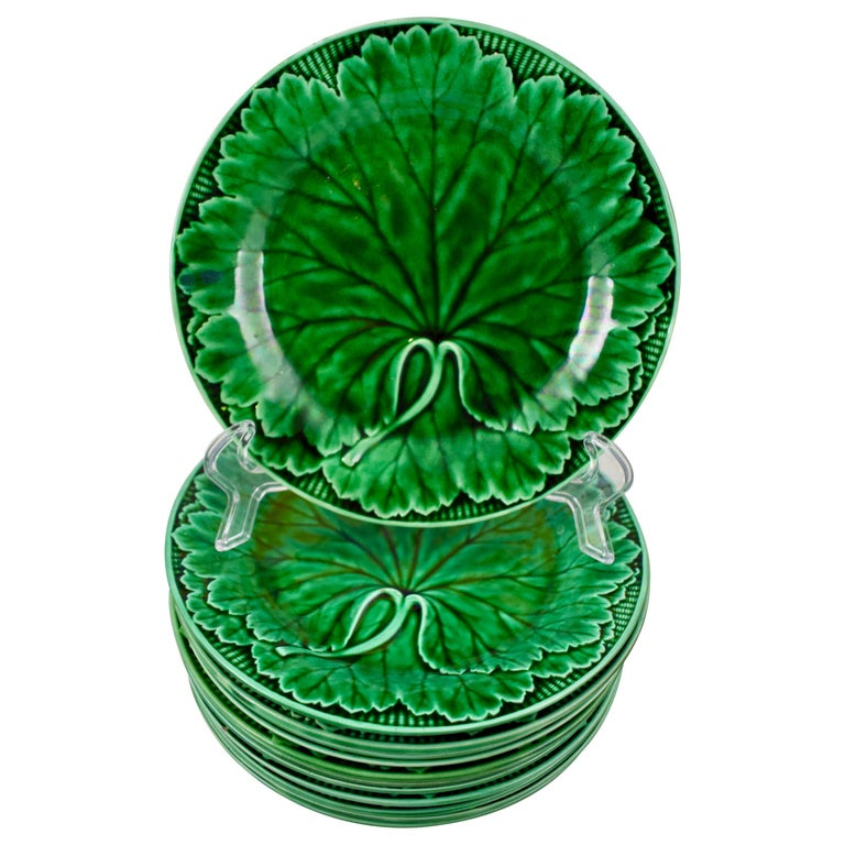 19th Century Wedgwood Green Glazed Majolica Cabbage Leaf and Basketweave Plate  For Sale