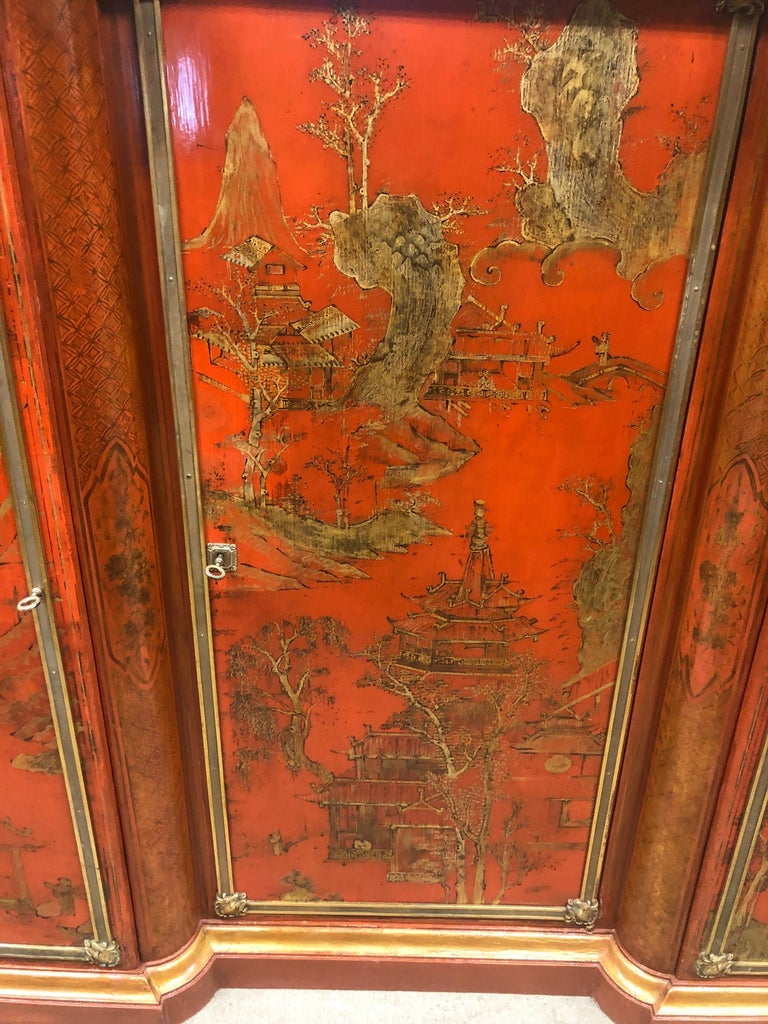 French 19th Century Wood Painted Gold Napoleon III Chinoiserie with Marble, 1860s For Sale