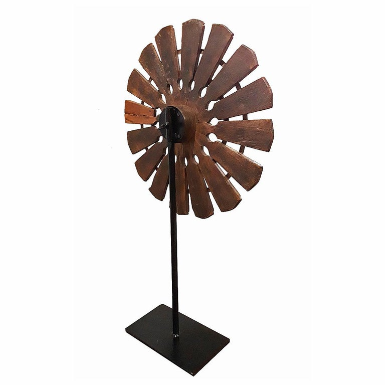 Late 19th Century 19th Century Wood Spinning Wheel from Thailand, on Stand For Sale