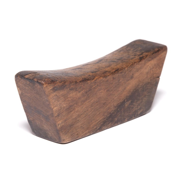 19th Century Wooden Chinese Headrest In Good Condition For Sale In Chicago, IL
