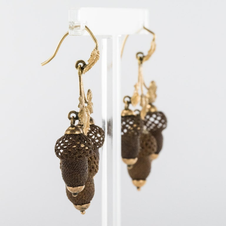19th Century Yellow Gold Hair Leaves Glans Drop Earrings For Sale 3
