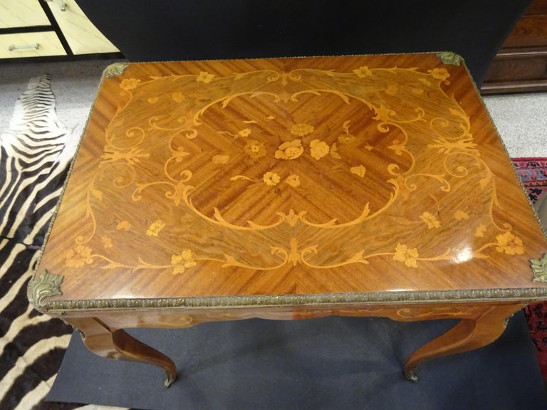 19th Century French Game Table, Napoleon III, Carved and Inlaid Wood and Bronzes In Good Condition For Sale In Valladolid, ES