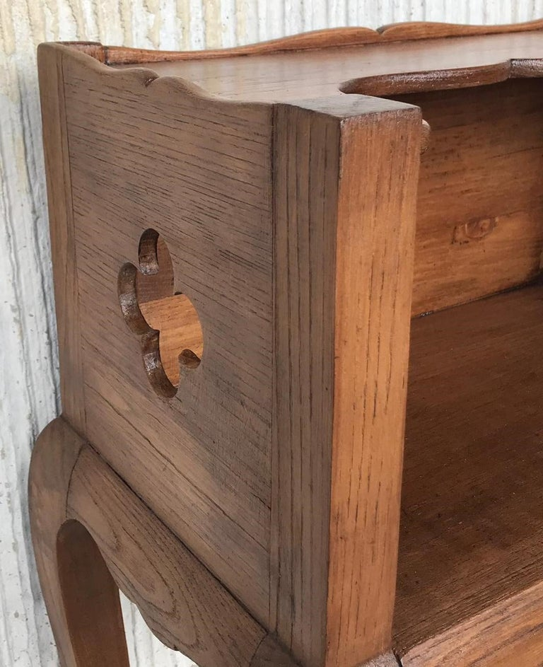 French Louis XV Style 19th Century Wooden Bedside Table with Open Shelf For Sale 6