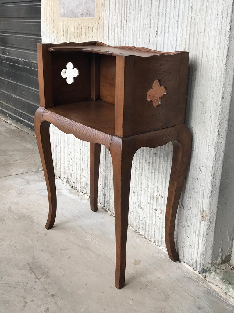 Walnut French Louis XV Style 19th Century Wooden Bedside Table with Open Shelf For Sale