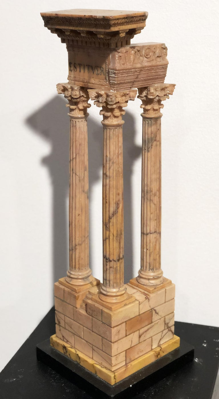 19th Grand Tour Yellow Marble Italian Model of Roman Classical Emperors Temple  In Good Condition For Sale In Roma, IT