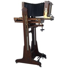 19th Century Old Study Camera in Oak Wood with Height Adjustable and Brake
