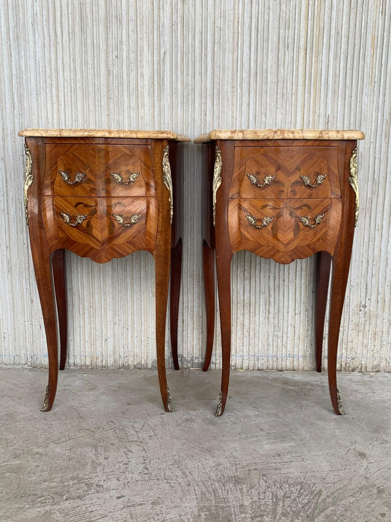 19th Pair of French Marquetry Nightstands with Roses and Marble Tops For Sale 1