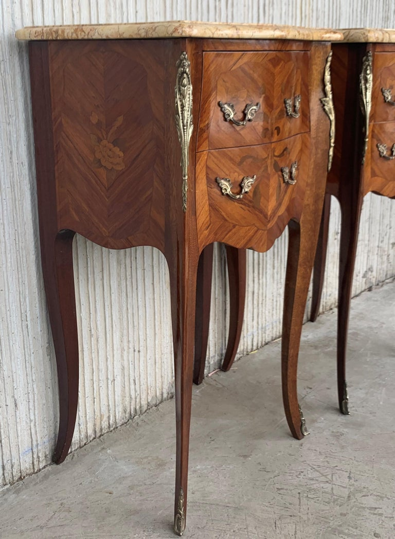 19th Pair of French Marquetry Nightstands with Roses and Marble Tops For Sale 2