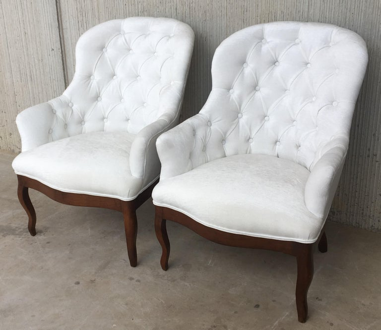 French 19th Pair of Louis XV Bergère Armchairs in White Velvet For Sale