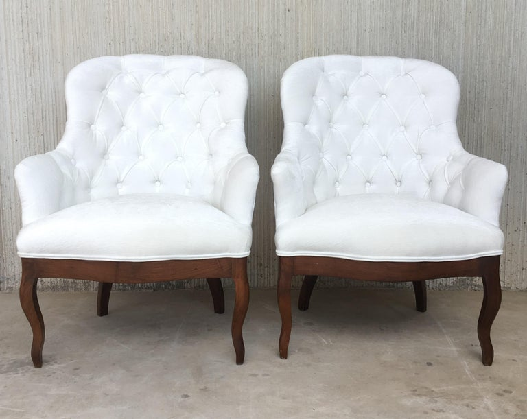 19th Pair of Louis XV Bergère Armchairs in White Velvet In Excellent Condition For Sale In Miami, FL