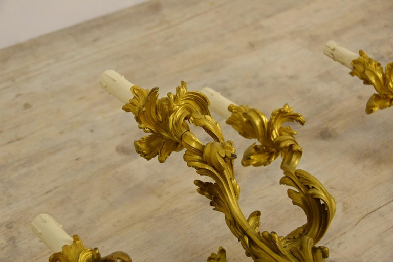 19th Century Pair of Three-Light Gilt Bronze French Louis XV Style Appliques For Sale 12