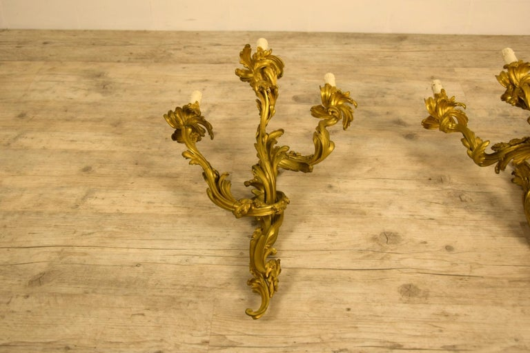 19th Century Pair of Three-Light Gilt Bronze French Louis XV Style Appliques For Sale 15