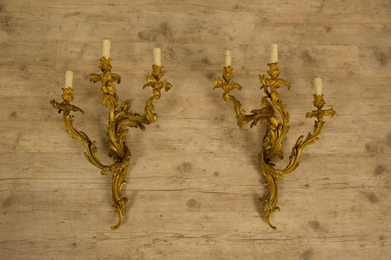 19th Century Pair of Three-Light Gilt Bronze French Louis XV Style Appliques For Sale 2