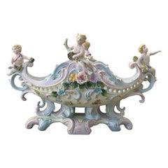 Rococó Porcelain Figural Cherub Jardinière or Centerpiece Bowl by Meissen