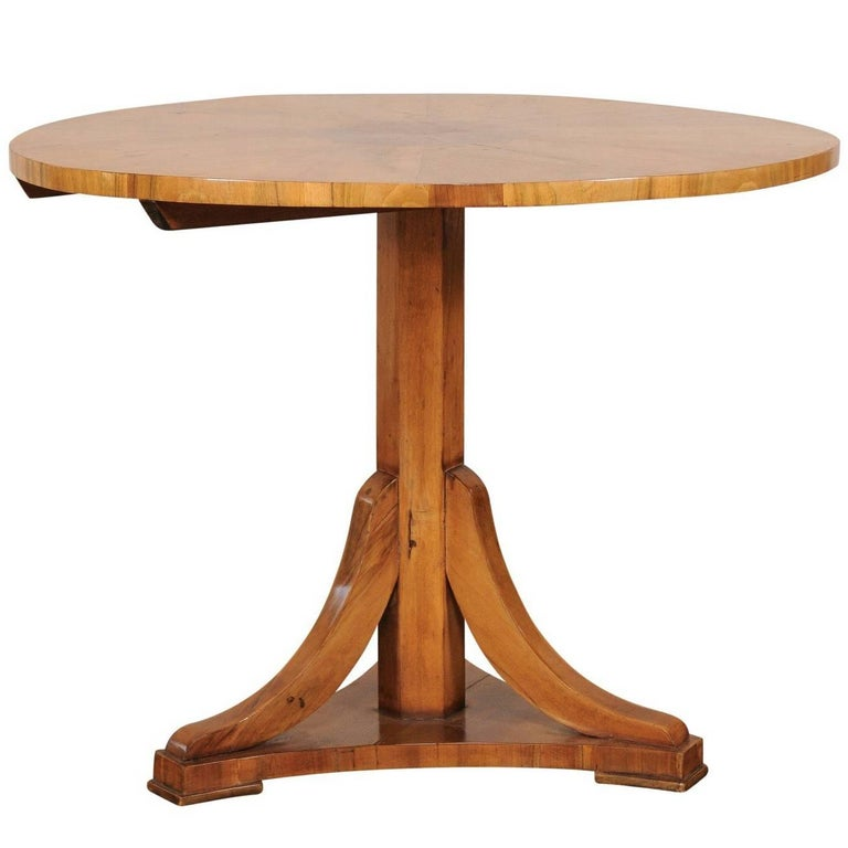 19th-20th Century Classic Biedermeier Fruitwood Round Centre Table