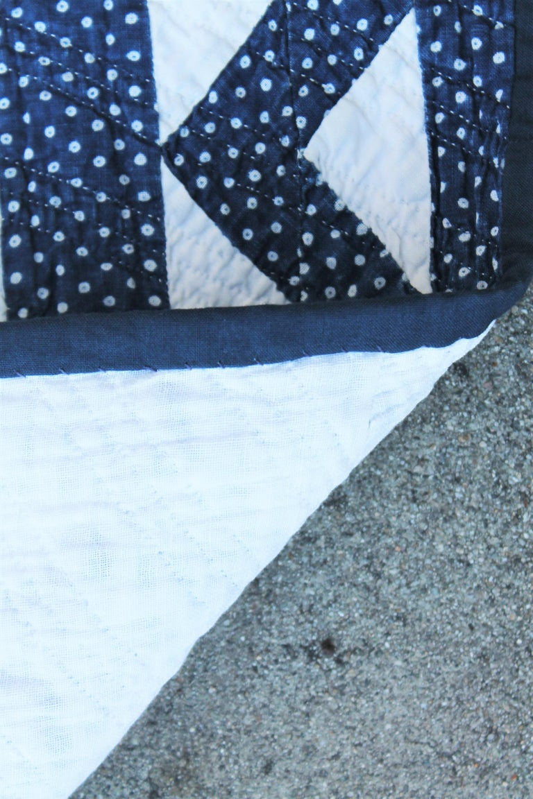 19th Century Antique Quilt in Indigo Blue and White In Good Condition For Sale In Los Angeles, CA