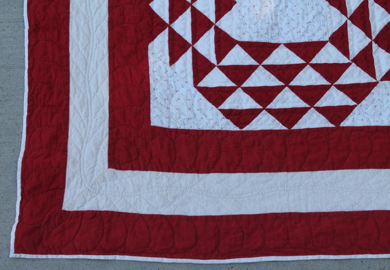 19th Century Antique Quilt, Red and White Ocean Waves Quilt In Good Condition For Sale In Los Angeles, CA