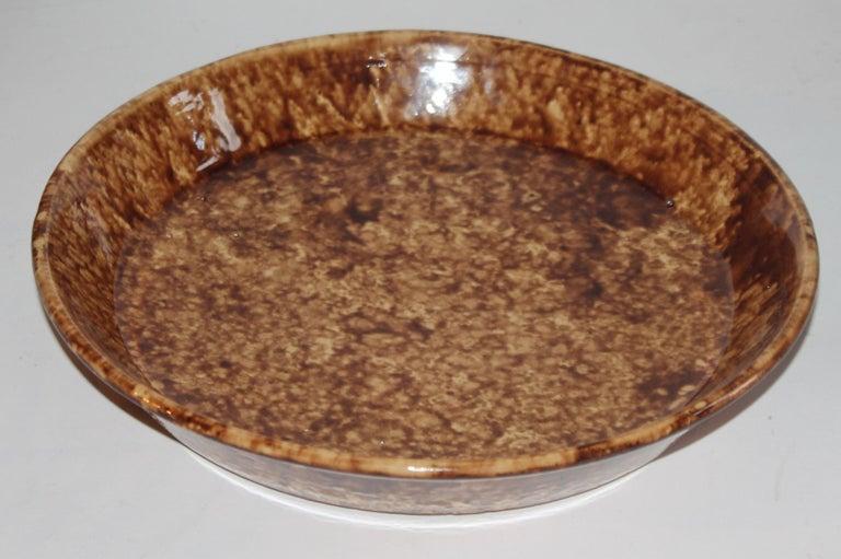 Adirondack 19th Century Bennington Sponge Large Pie Plate For Sale