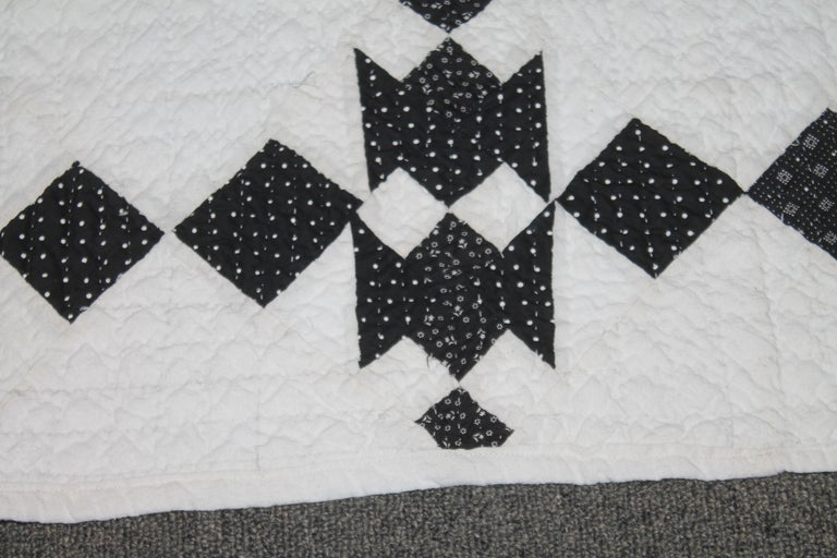 19th Century Black and White Geometric Quilt For Sale 1