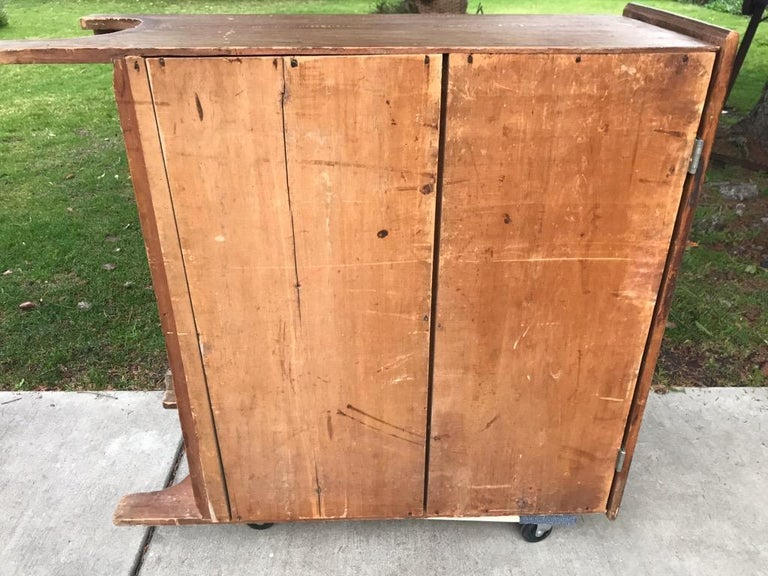 19th Century Blanket Chest in Original Comb Painted Surface For Sale 4