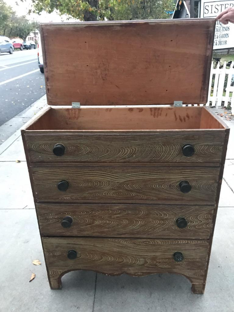 American 19th Century Blanket Chest in Original Comb Painted Surface For Sale
