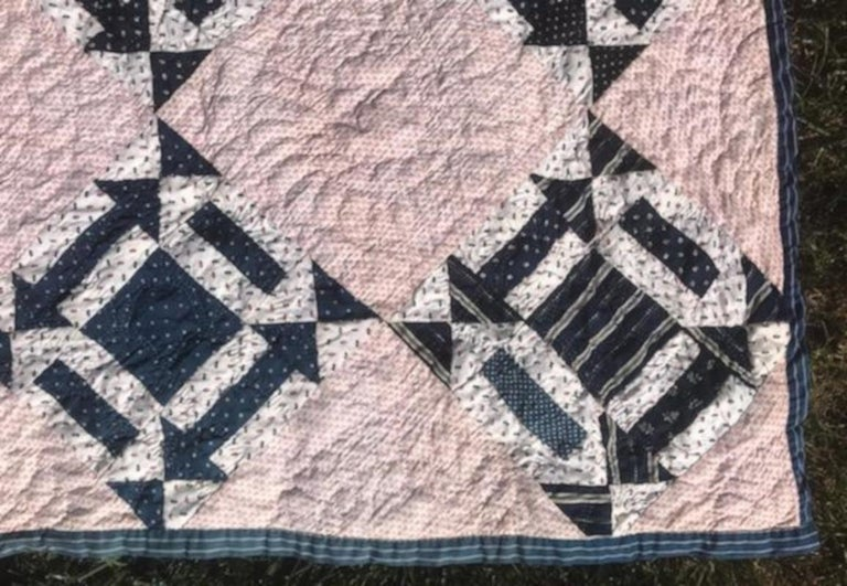 American 19th Century Blue & White Arrow Pattern Quilt with Red Stripe Back Round For Sale