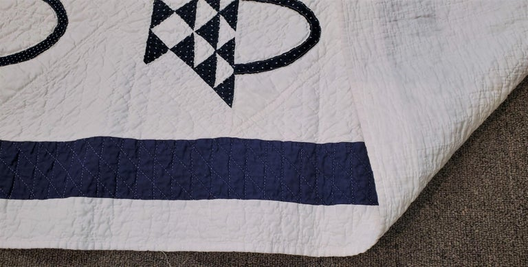 Hand-Crafted 19th Century Blue and White Baskets Quilt For Sale