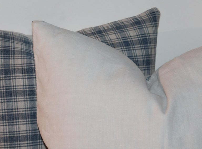 Hand-Crafted 19th Century Blue and White Linen Pillows, Pair For Sale