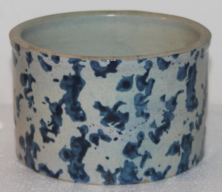 American 19Thc Blue & White Sponge Ware Pottery Butter Crocks, 4 For Sale