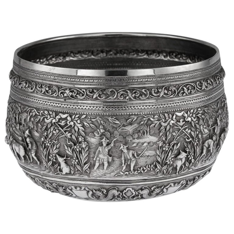 19th Century Burmese Solid Silver Handcrafted Bowl, circa 1880 For Sale