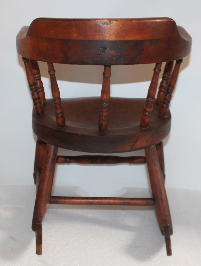19th Century Child's Windsor Rocker from New England For Sale 3