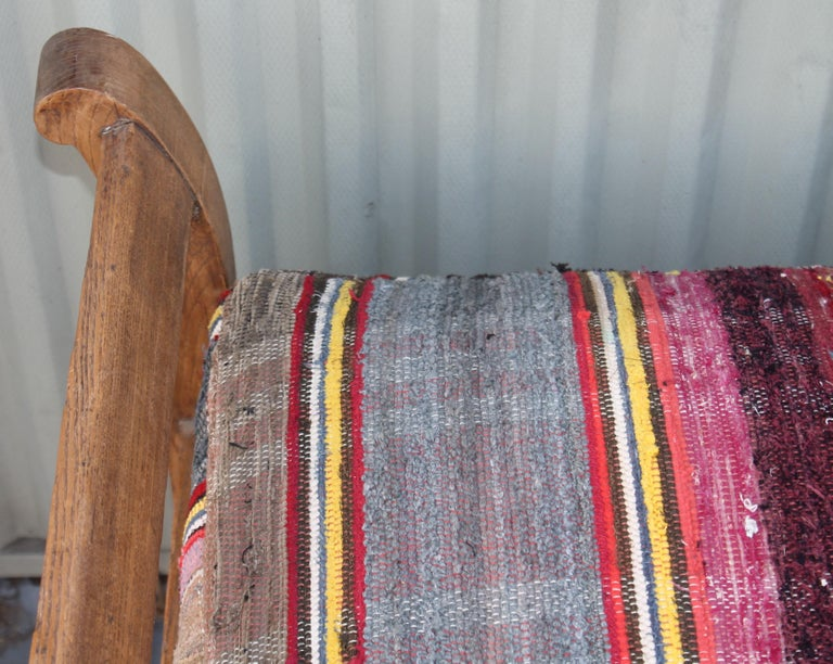 19thc Day Bed in Rag Rug Upholstery In Good Condition For Sale In Los Angeles, CA