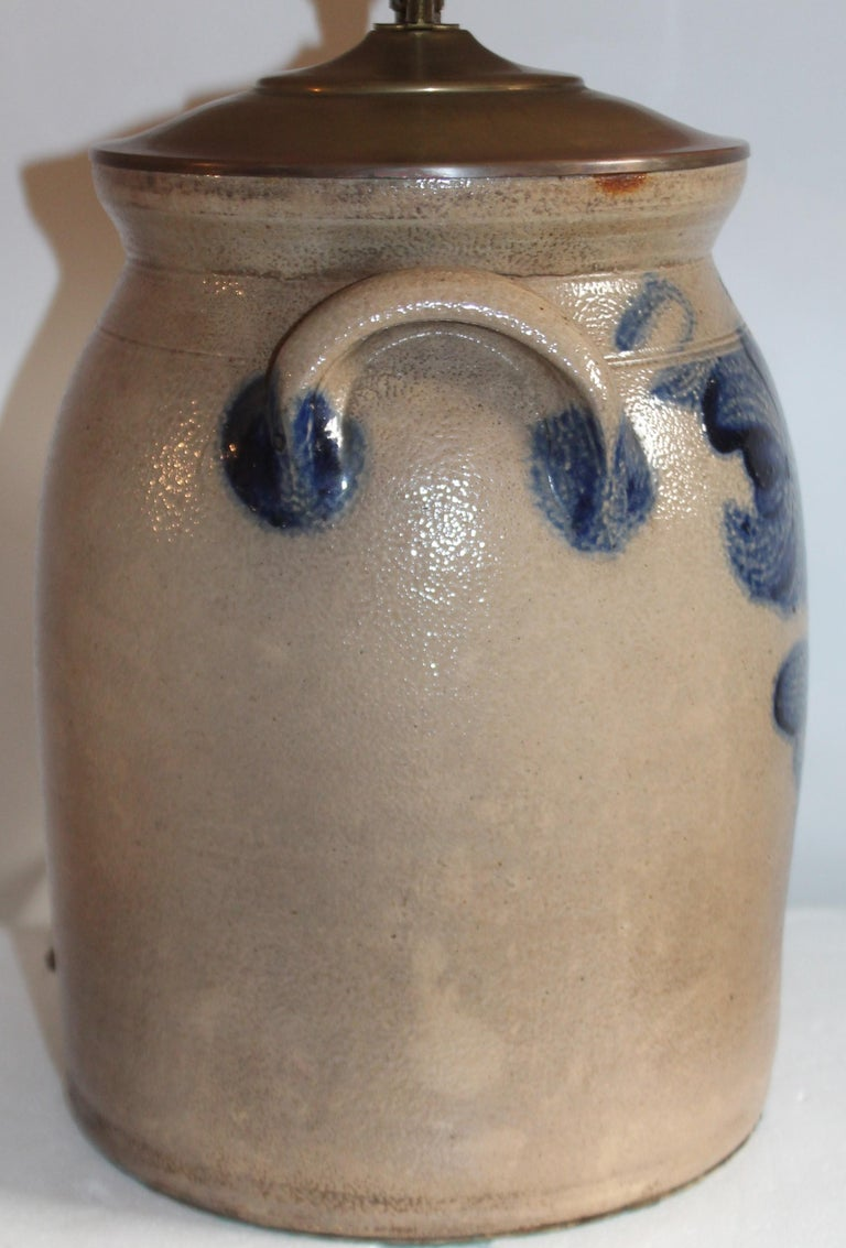 19th Century Decorated Stoneware Crock Lamp In Good Condition For Sale In Los Angeles, CA
