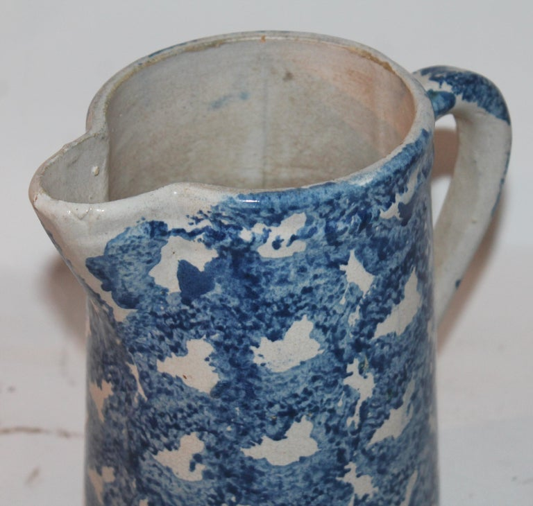 19th Century Design Sponge Ware Pitcher In Good Condition For Sale In Los Angeles, CA