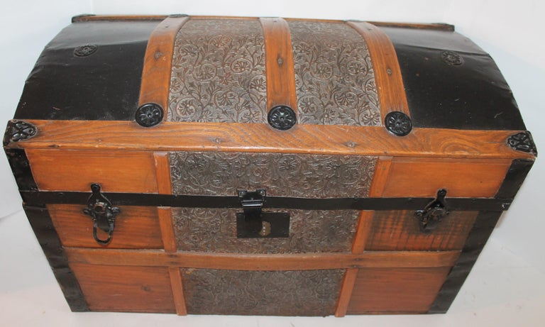 Adirondack 19th Century Dome Top Trunk For Sale