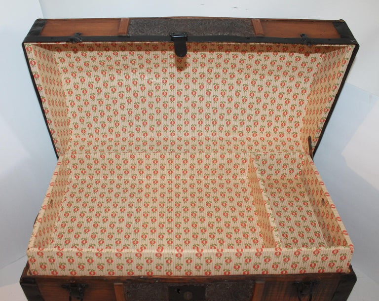 Varnished 19th Century Dome Top Trunk For Sale