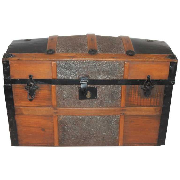 19th Century Dome Top Trunk For Sale