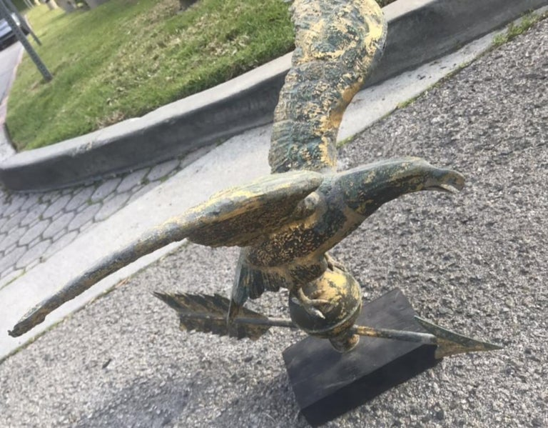 Hand-Crafted 19th Century Eagle Weather Vane in Old Surface For Sale